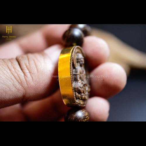 Vòng tay Mặt Phật Thích Ca Mâu Ni Bọc Vàng 10K Trầm Hương Sánh Chìm Nước Dầu Vàng