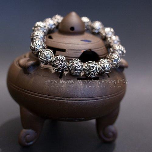 Vòng bạc Thái cao cấp khắc chú Phật giá