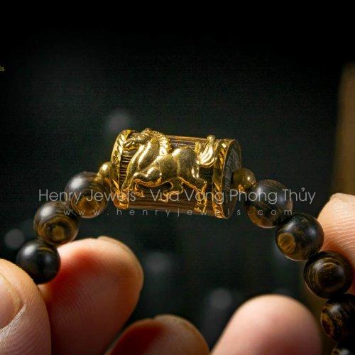 Vòng Trầm Hương Sánh Chìm Nước Dầu Vàng mix Đốt Trúc Bọc Ngựa Vàng 10K