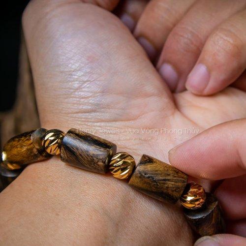 Vòng Trầm Hương Indonesia Dáng tự nhiên